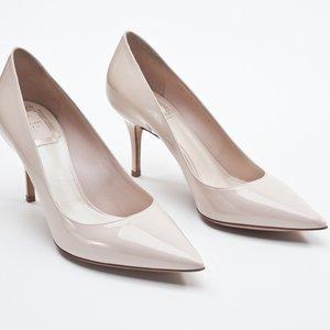 Sapato Dior em verniz nude