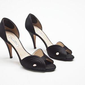 Sapato Oscar De La Renta em cetim preto