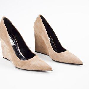 Sapato Balenciaga anabela em camurça bege