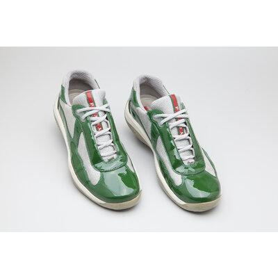Tenis Prada em verniz nas cores verde e cinza