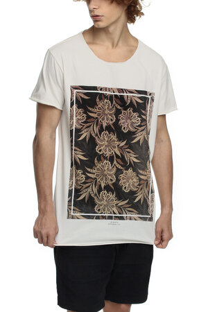 CAMISETA FLORAL CARPET