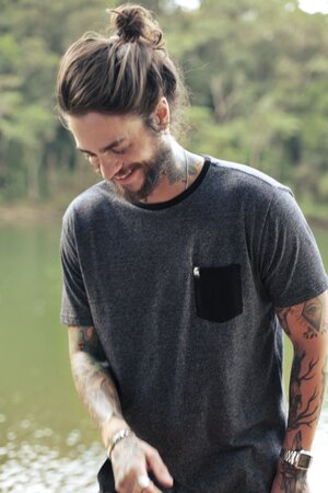 T-shirt Básica Pocket