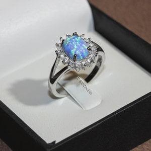 Anel Cravejado Opala Azul