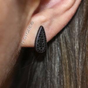 Brinco Gota Longa Micro Cravação Negro