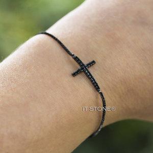 Pulseira Regulável Cruz Negra