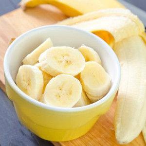 Aprenda a fazer 5 receitas de doces com banana super fáceis.