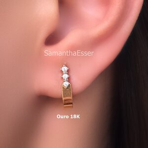 Ear Hook 3 Zircs