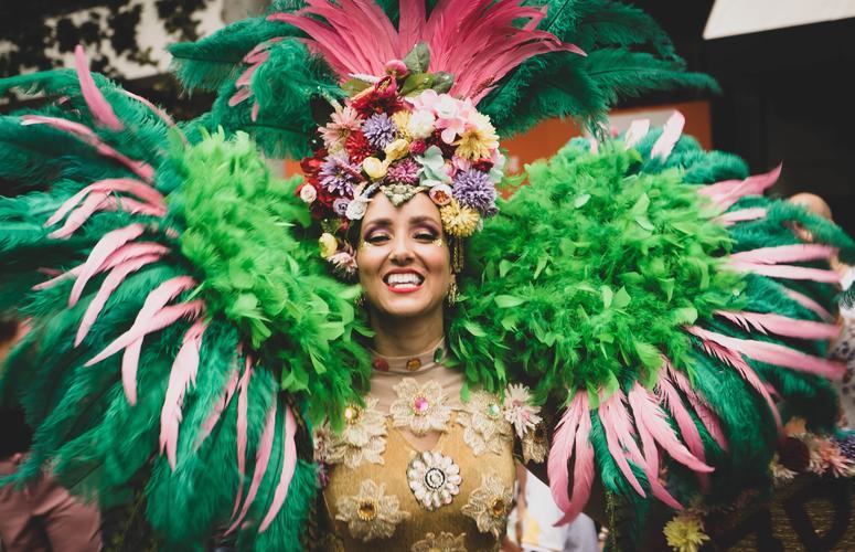Carnaval em equilíbrio: saiba como amenizar os efeitos do álcool