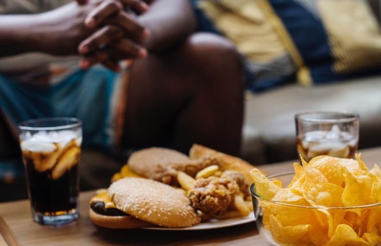 Fome emocional: como controlar com o mindful eating