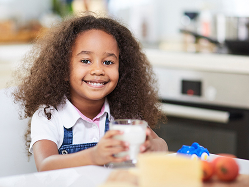 Por que devemos ingerir alimentos ricos em cálcio?