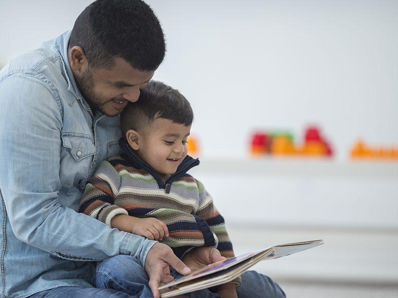 Saúde infantil: benefícios de ler para criança