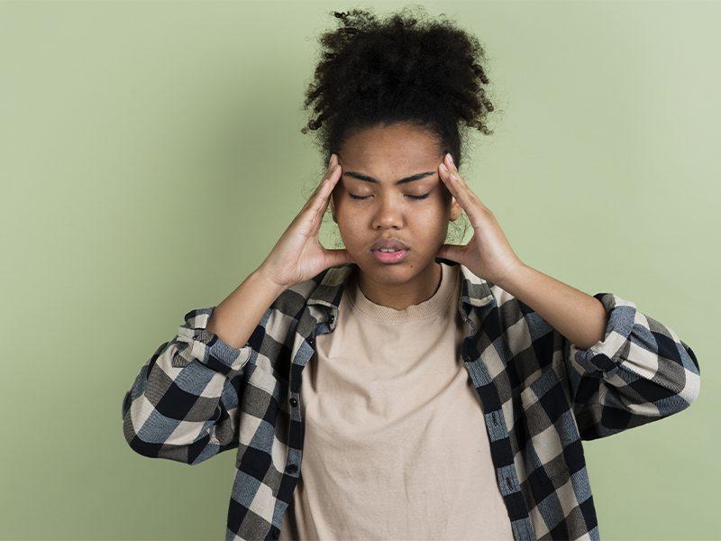Dor de cabeça: aprenda quais são as principais causas e como se prevenir.
