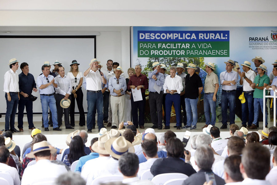 Governador apresenta programa descomplica rural em cascavel