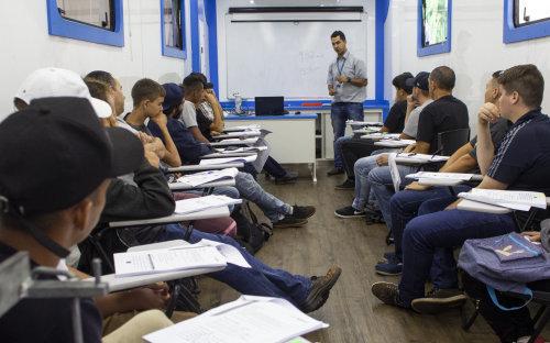 Escola t%c3%89cnica munic%c3%8dpio amplia oportunidades profissionais em parceria com o senai