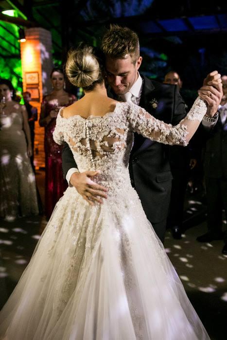 Vestido de noiva em rib preto