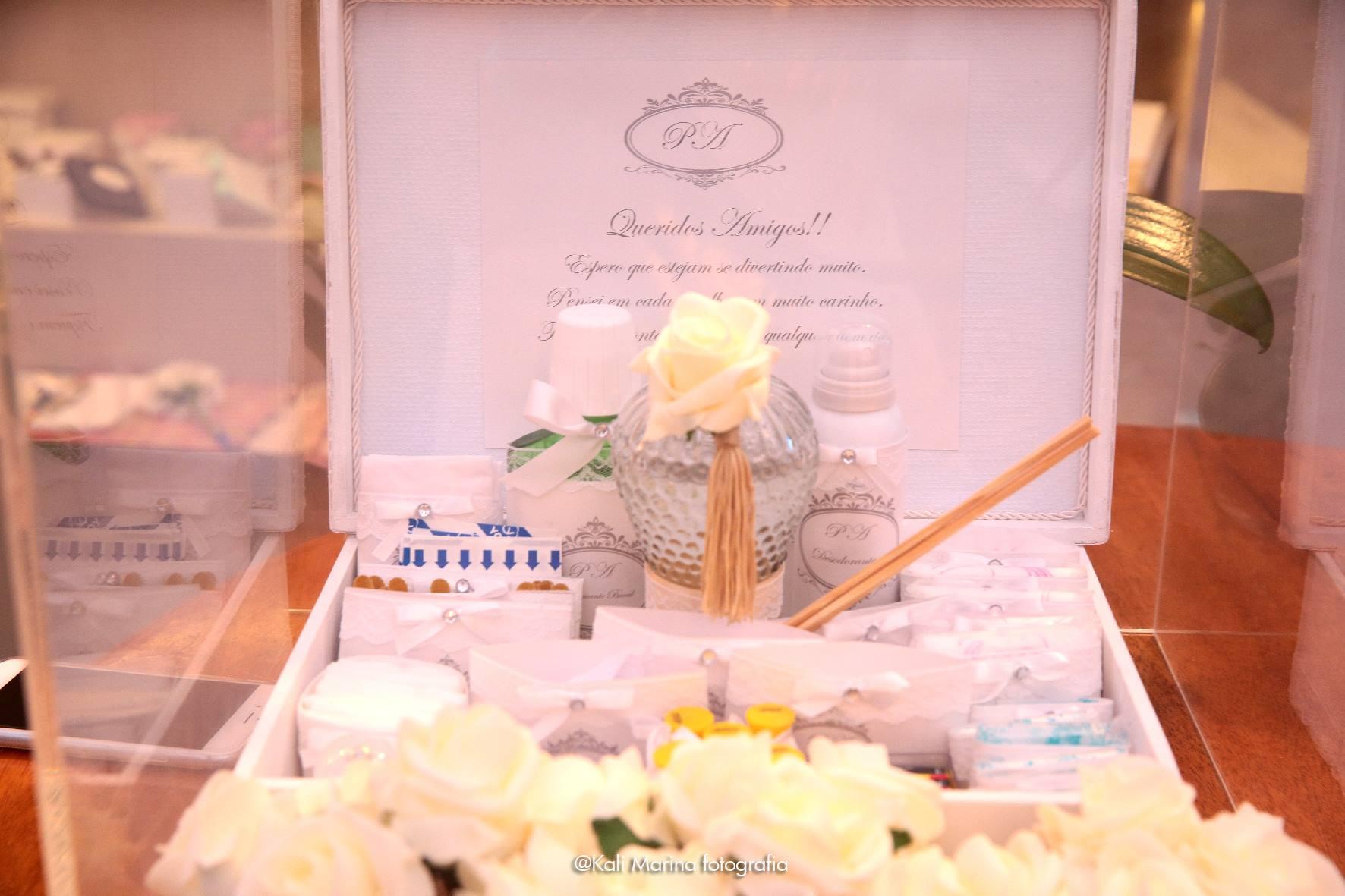 Início Casamentos Decoração de Casamento Kit de banheiro para festa #B1591A 1772 1181