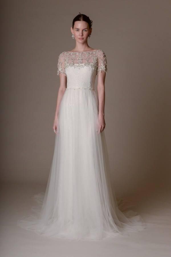 Vestido de noiva lindo e com bastante detalhes da coleção 2016 da Marchesa