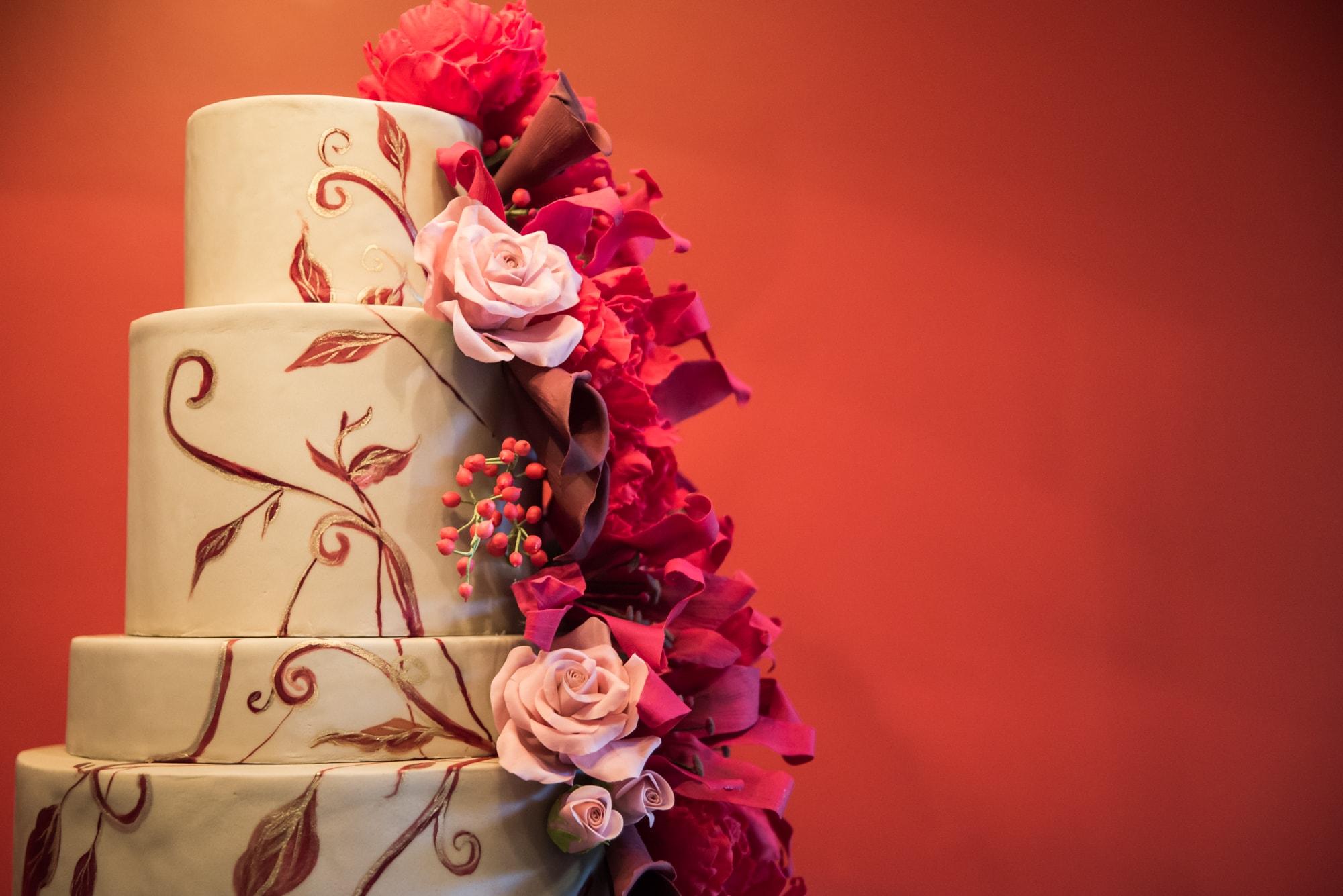 37 ideias de bolos pintados à mão para casamento