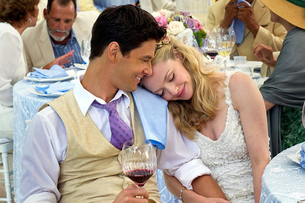 THE BIG WEDDING (2013)Ben Barnes and Amanda Seyfried