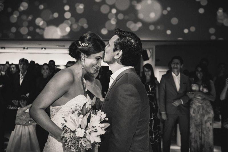 casamento-flavia-e-arthur-decoracao-rosa-e-roxa-casarpontocom (11)