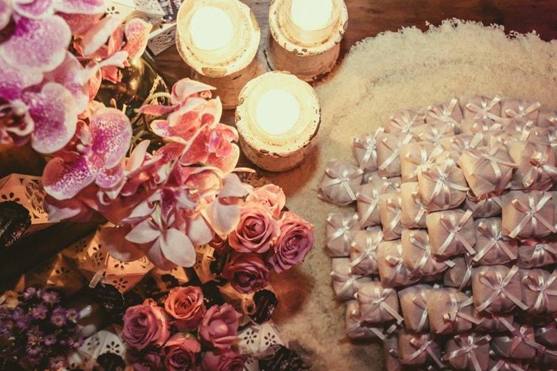 casamento-flavia-e-arthur-decoracao-rosa-e-roxa-casarpontocom (28)