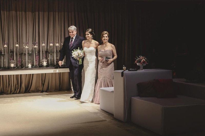 casamento-flavia-e-arthur-decoracao-rosa-e-roxa-casarpontocom (8)