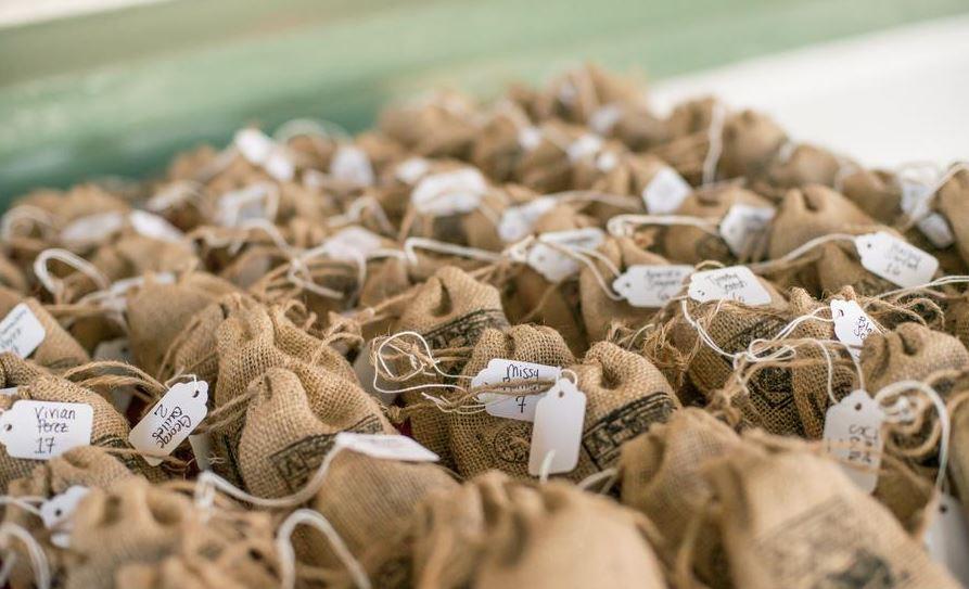 6 lembrancinhas de casamento para noivos que adoram café