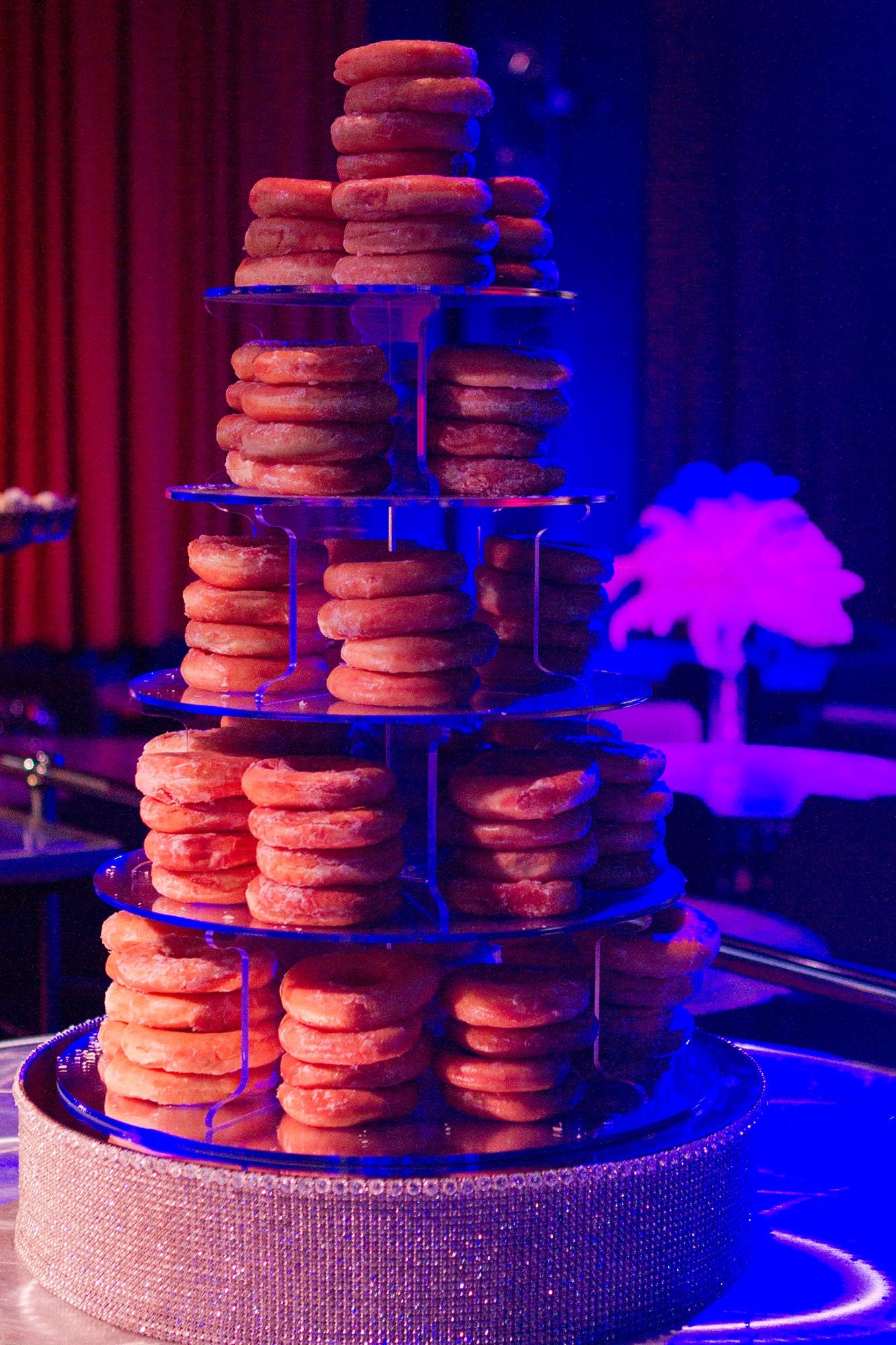 torre-de-donuts-min