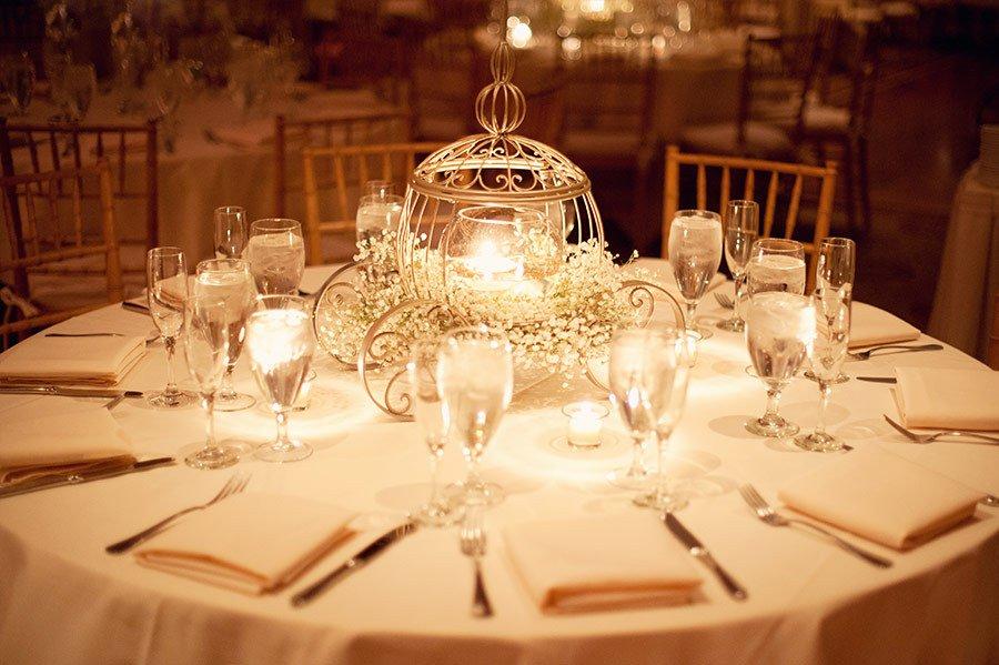 8 ideias de centros de mesa para noivas que s o f s da disney. Black Bedroom Furniture Sets. Home Design Ideas