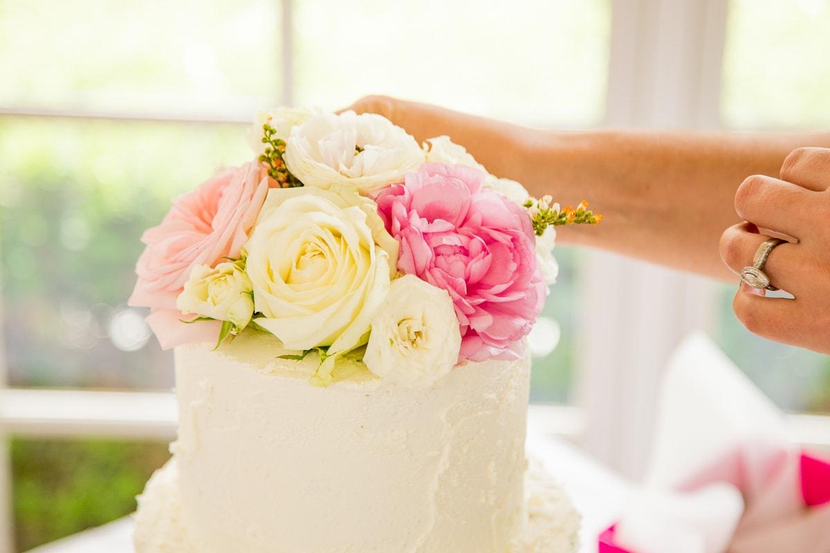 6 Maneiras Diferentes De Decorar O Bolo De Casamento Com