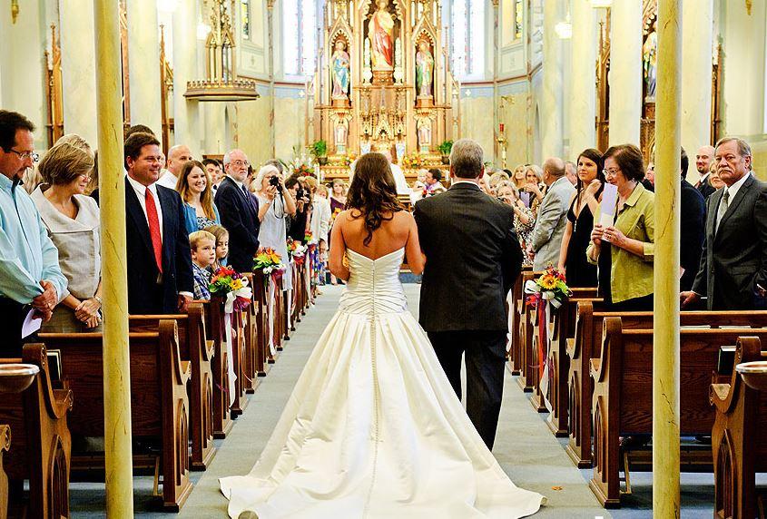 """Amanda responde: """"Como evitar que os convidados se atrasem para o meu casamento?"""""""