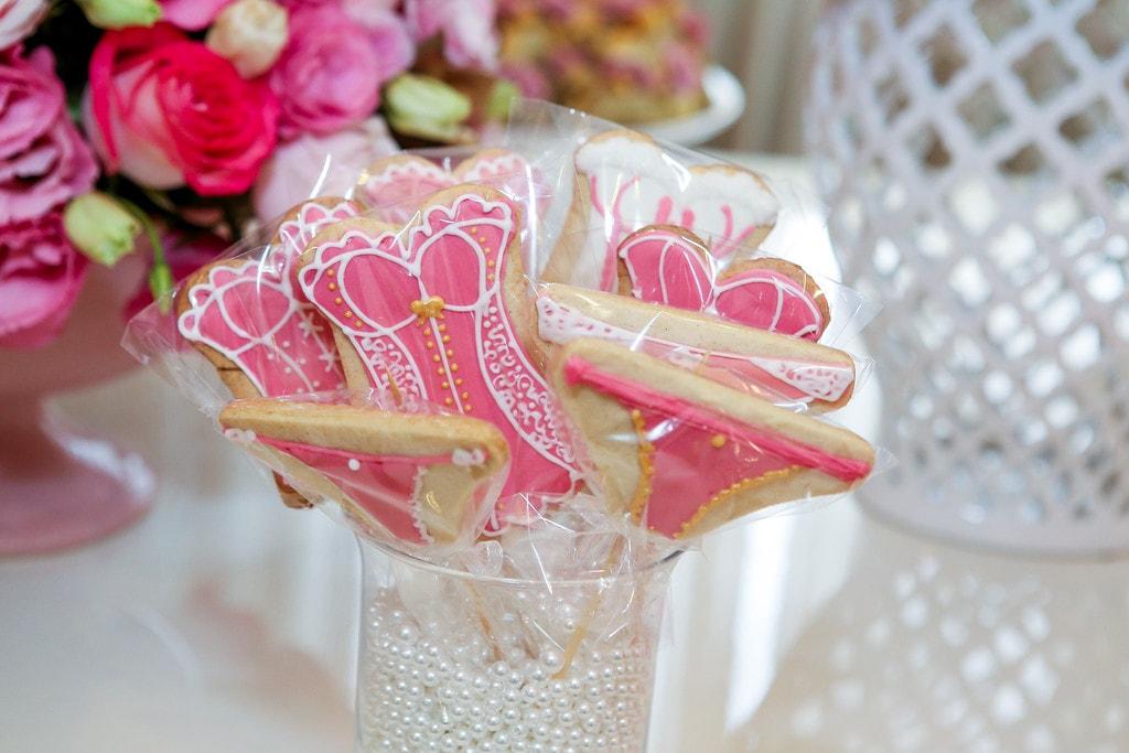 a59ecbf3d3acee Chá de lingerie com decoração rosa | Casar.com