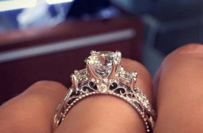 most-pinned-engagement-ring-main-min