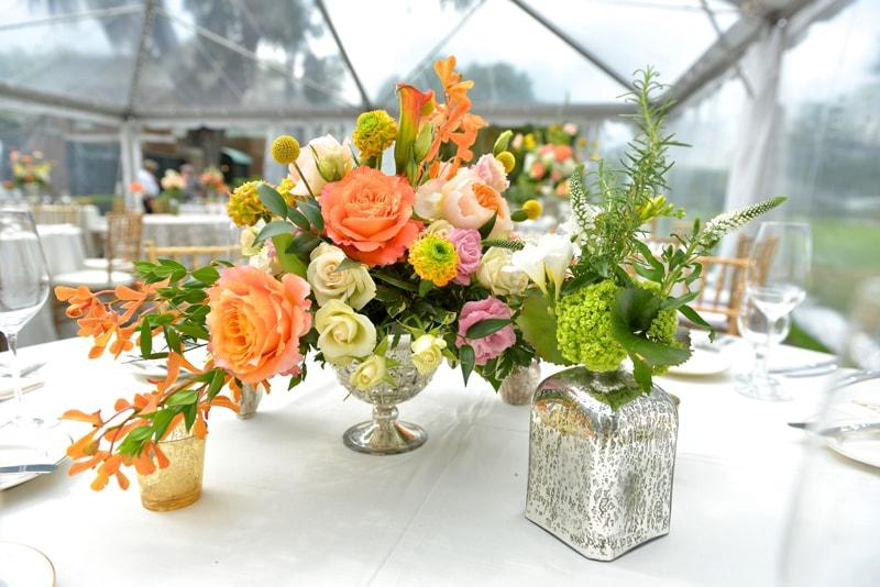 Decoração de casamento: lindas ideias de centros de mesa com flores