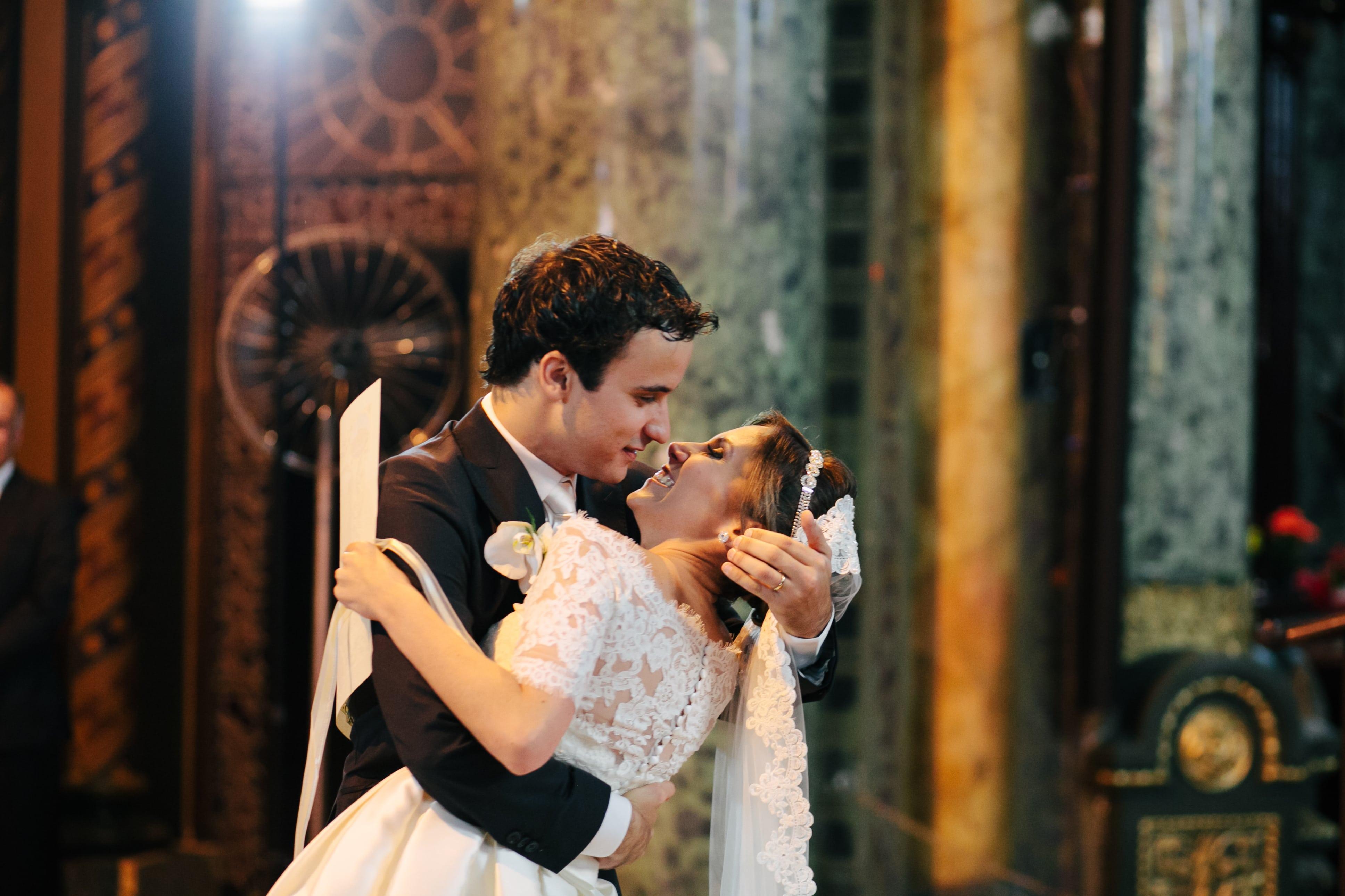 """Casamento com decoração no estilo """"festa em casa"""" – Luciana e David"""