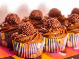 cupcake-cenoura-brigadeiro-chadepanela