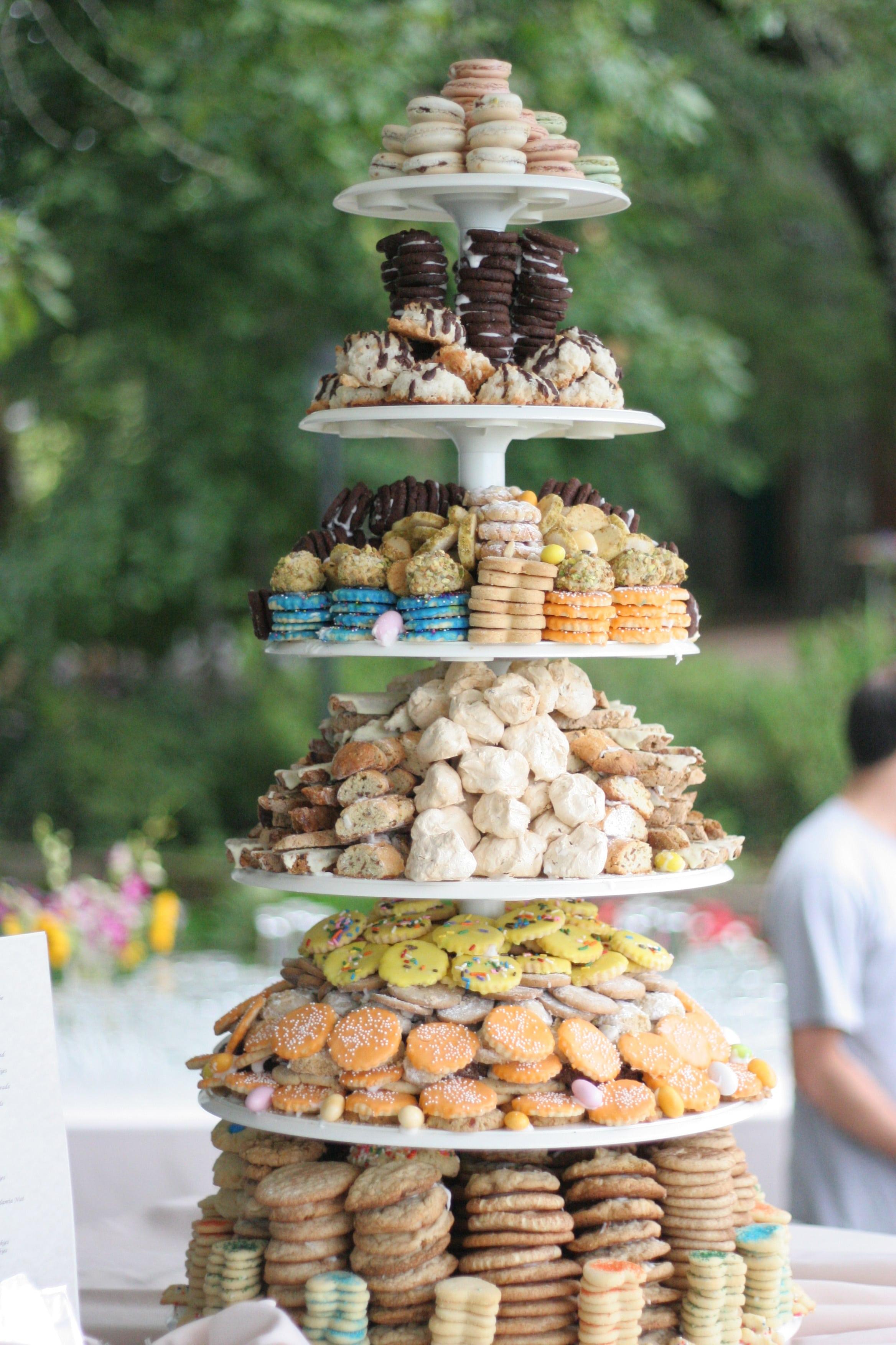 torre-biscoitos-casamento-min