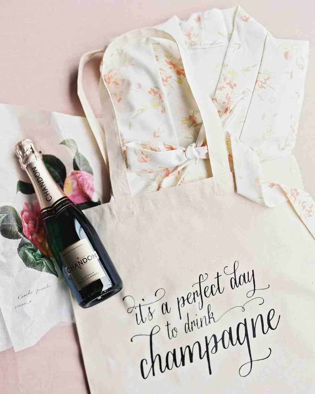 rebecca-david-wedding-new-york-welcome-bag-d112241_vert