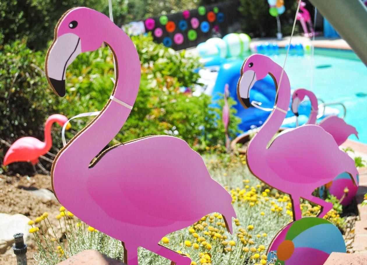 Pool Party Flamingo 1 Gwynn Wasson-min