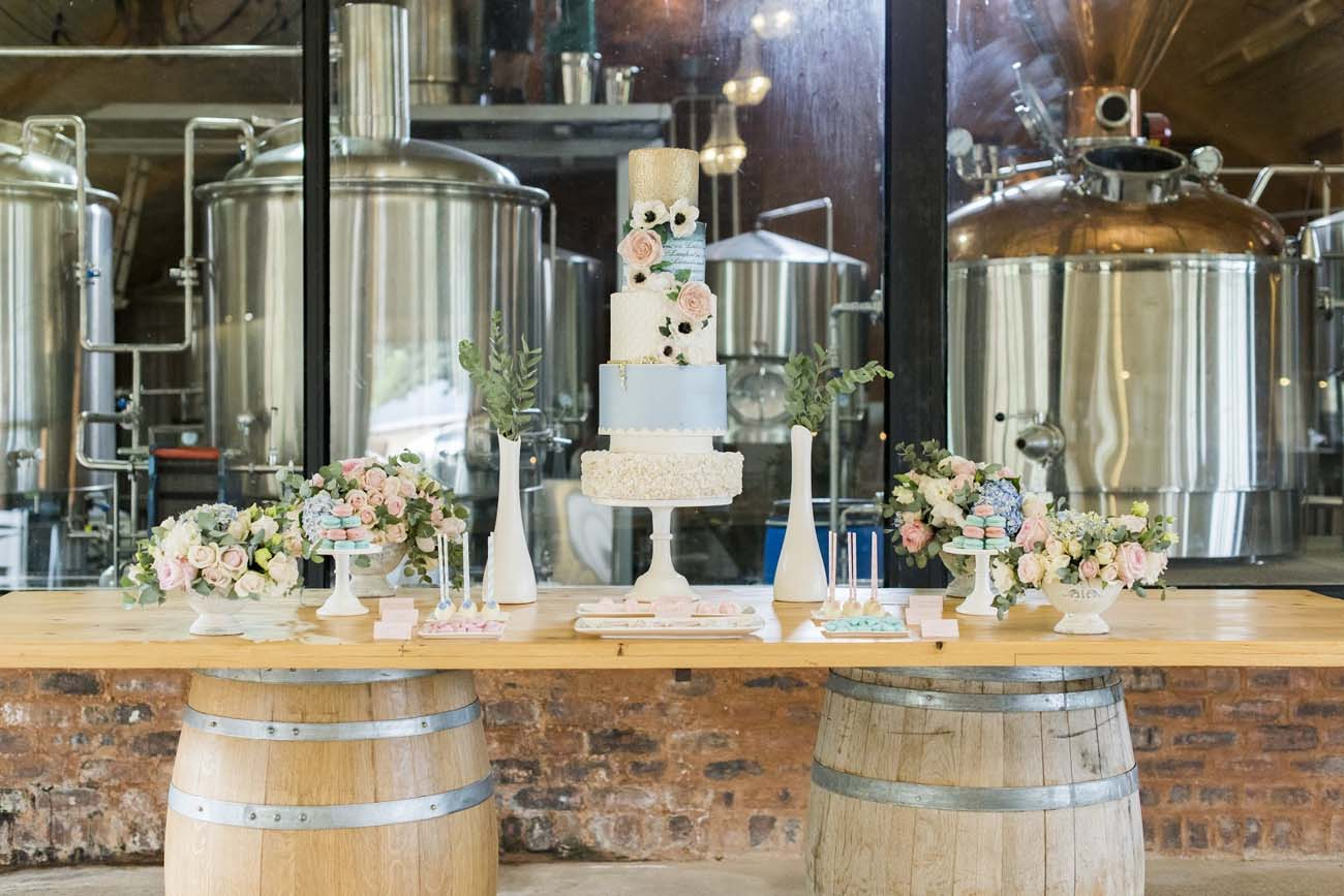 Decoração de casamento: as cores rose quartz e serenity blue continuam em alta