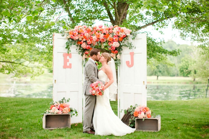 Decoração de casamento com as iniciais dos noivos