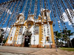 linda-igreja-de-santo-antonio-tiradentes