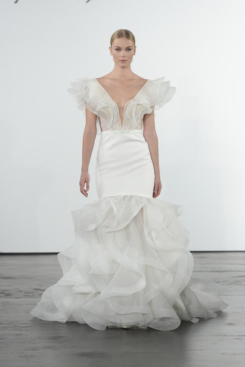 dennis-basso-for-kleinfeld-wedding-dresses-fall-2018-002