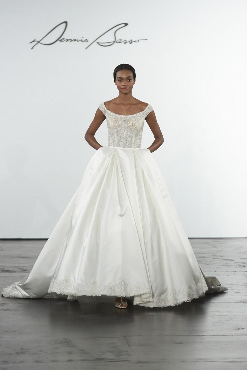 dennis-basso-for-kleinfeld-wedding-dresses-fall-2018-003