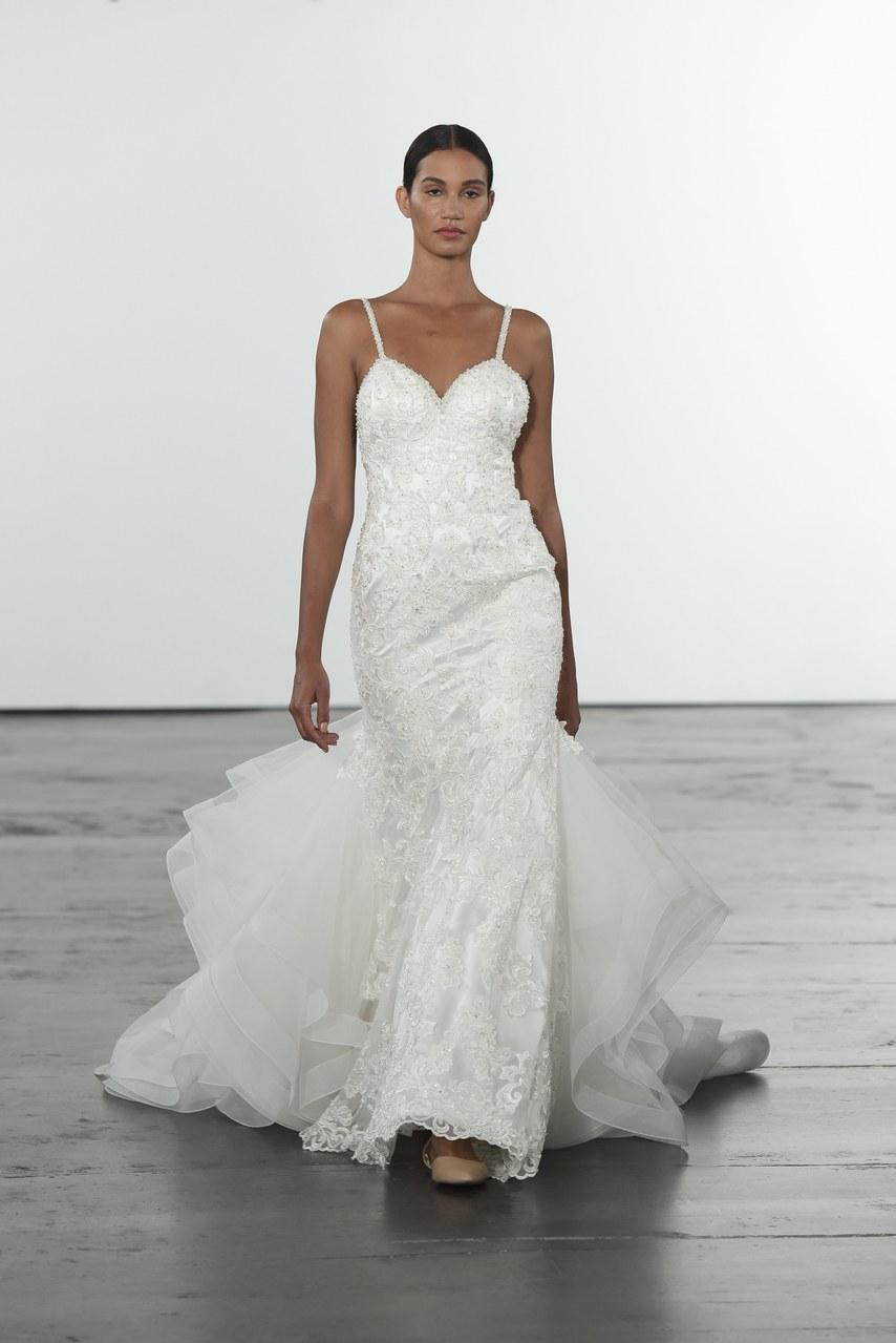 dennis-basso-for-kleinfeld-wedding-dresses-fall-2018-005
