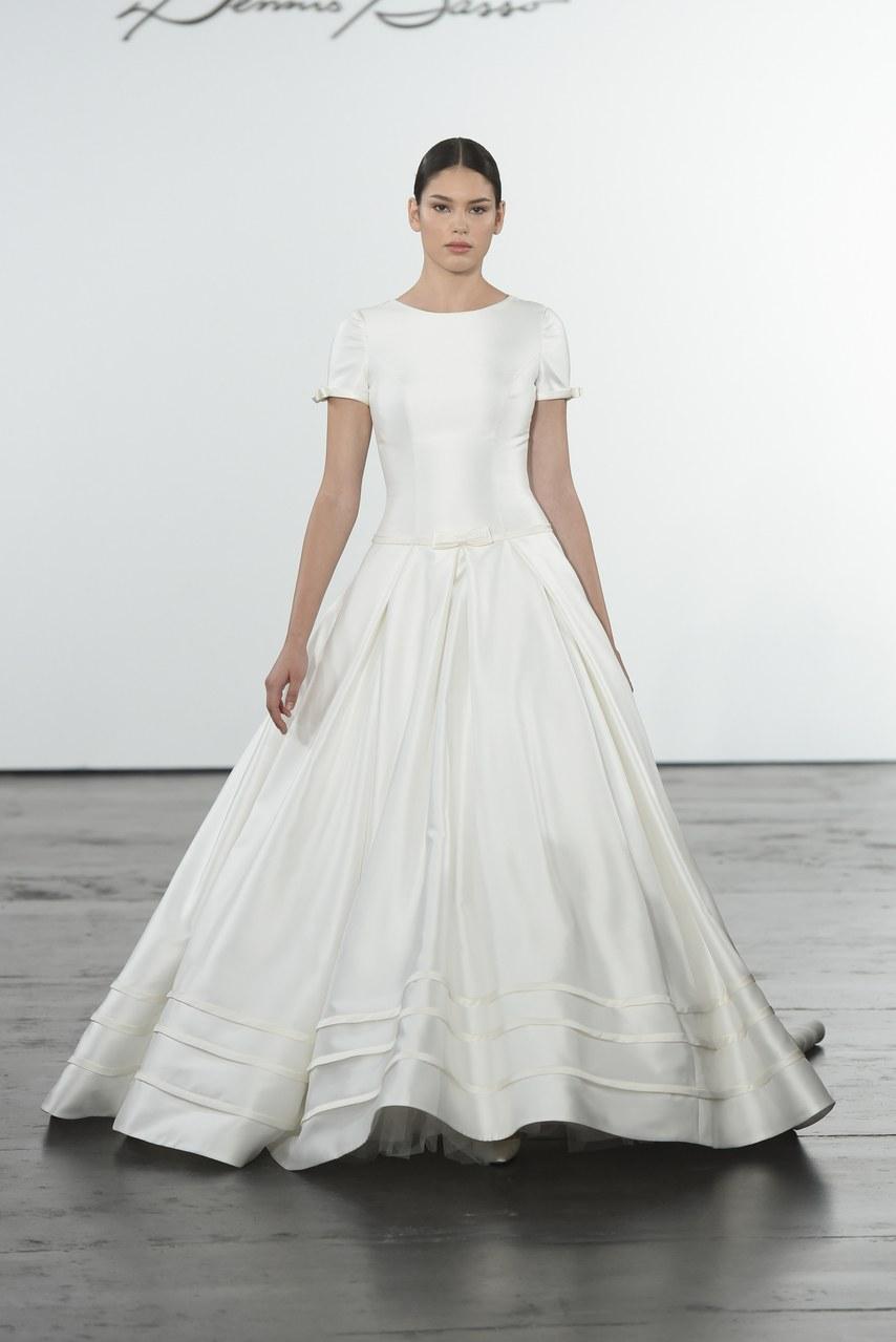 dennis-basso-for-kleinfeld-wedding-dresses-fall-2018-010