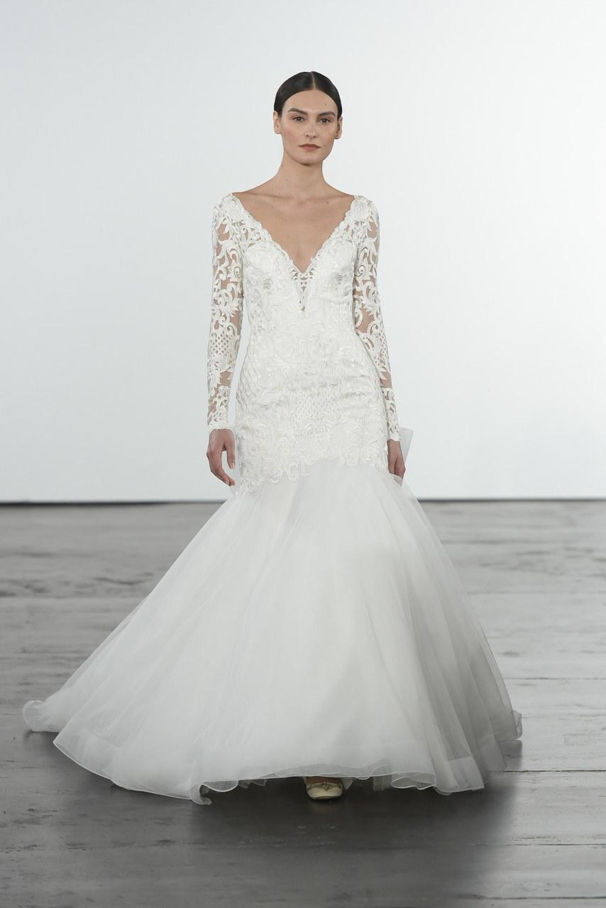 dennis-basso-for-kleinfeld-wedding-dresses-fall-2018-018