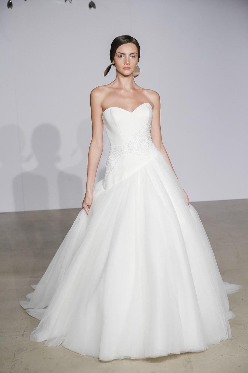 justin-alexander-wedding-dresses-fall-2018-15
