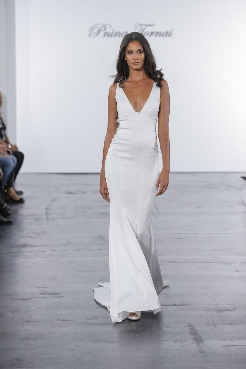 pnina-tornai-for-kleinfeld-wedding-dresses-fall-2018-004