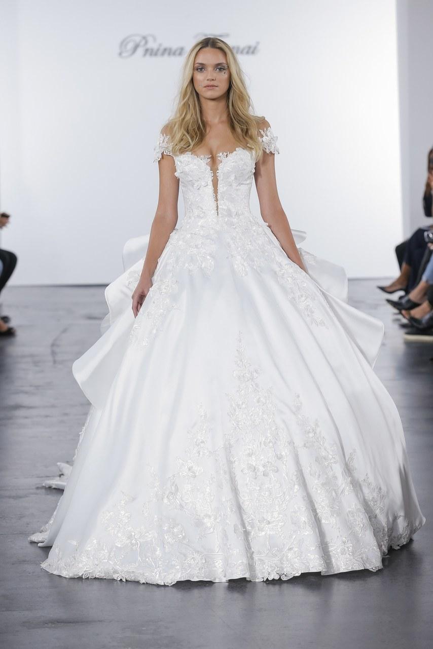 pnina-tornai-for-kleinfeld-wedding-dresses-fall-2018-014